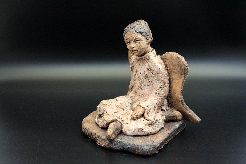 Verkauft – Keramik Engel, Weihnachtsengel, Handarbeit / signiertes Unikat