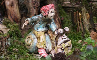 Verkauft – Keramik Elfe auf Schnecke – Fabelfigur – Unikat