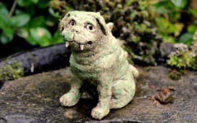 "Keramik Gargoyle ""Mops"", Fabelwesen, Gartenwächter, Gartenfigur – Unikat"