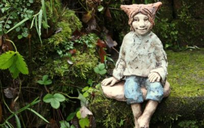 Keramik Skulptur, Kantenhocker, Gartenfigur, Gartenkunst Unikat